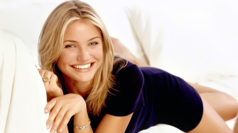 cute-cameron-diaz-smile-wallpaper-55489-57234-hd-wallpapers